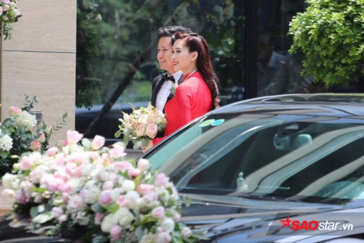 Tối nay, lễ cưới của Đặng Thu Thảo và doanh nhân Trung Tín sẽ diễn ra tại một trung tâm tổ chức tiệc lớn ở TP.HCM.