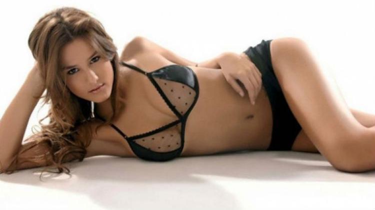 Cô là bồ cũ của nhiều ngôi sao danh tiếng của Argentina như Juan Riquelme, Fernando Gago.