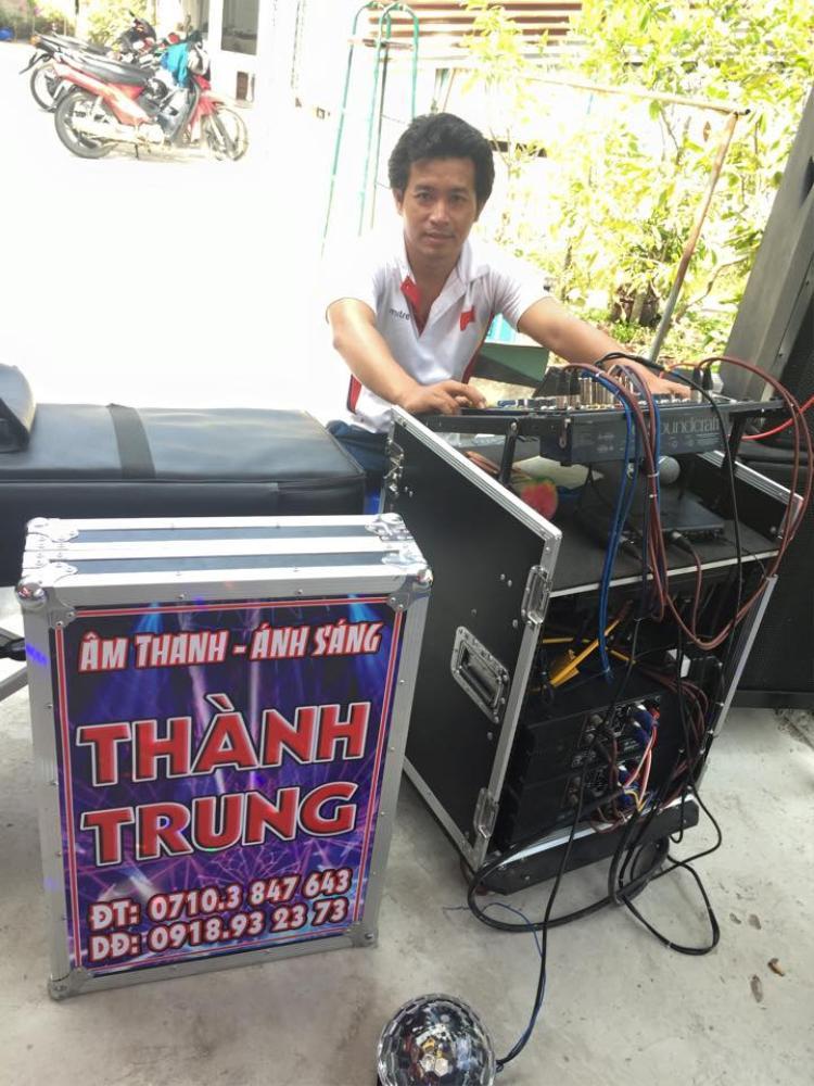 Kình ngư Nguyễn Thành Trung khá đa tài khi vừa hát hay, nhảy đẹp và giỏi về thiết bị điện tử.