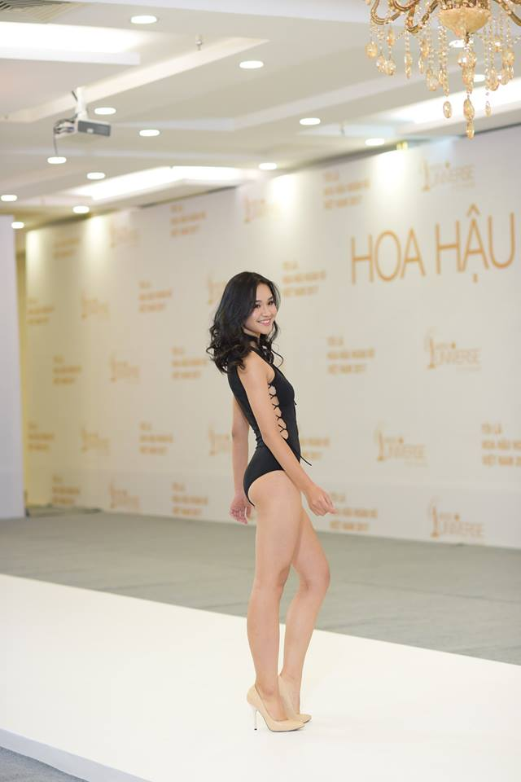 Thí sinh Thu Trang tự tin trong phần trình diễn bikini.