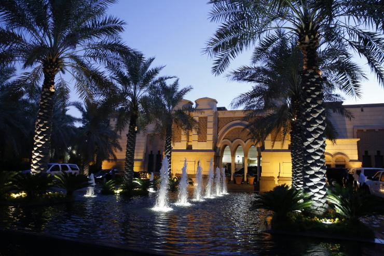 Cung điện lộng lẫy Erga là cung điện riêng của gia đình hoàng tộc Arab Saudi. Gia đình hoàng tộc có đến hàng nghìn hoàng tử và công chúa, với cuộc sống xa hoa nức tiếng.