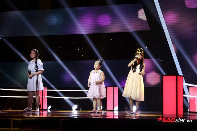 Chỉ ngân nga vài giai điệu trong lúc hướng dẫn thí sinh, giọng hát Thùy Chi vẫn khiến khán giả phải thổn thức!
