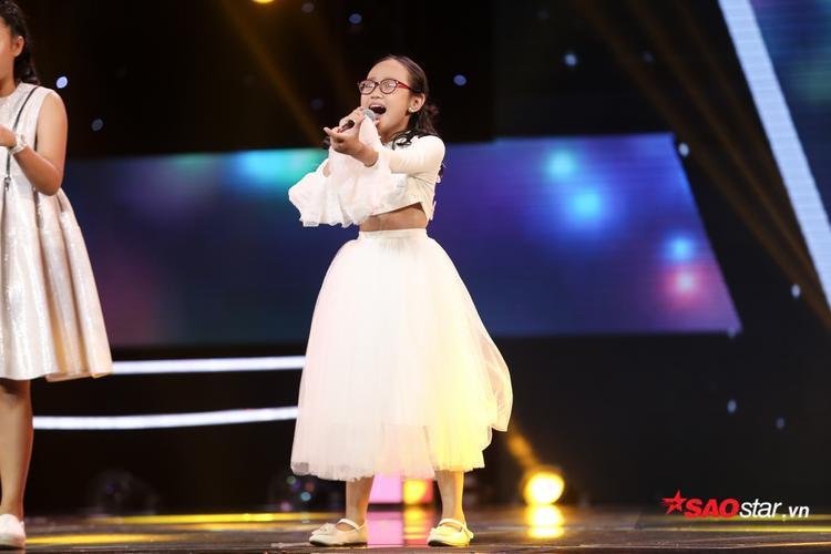 Cách hát tự nhiên đậm màu RnB của Phương Linh gây ấn tượng mạnh với Soobin Hoàng Sơn.