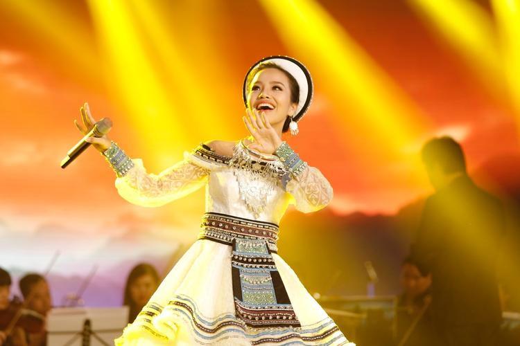 Sèn Hoàng Mỹ Lam - giải nhất dòng nhạc Dân gian.