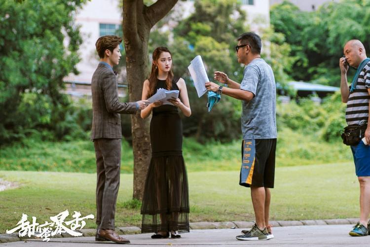 Lộc Hàm và Quan Hiểu Đồng đang là từ khóa hot nhất lịch sử Weibo.