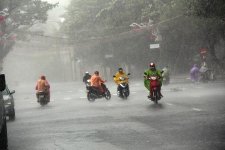 Do ảnh hưởng của áp thấp nhiệt đới, các tỉnh miền Trung sẽ có mưa rất to. (Ảnh minh họa).