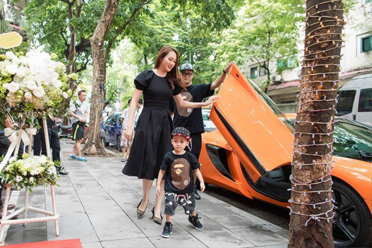 Chồng Ngọc Thạch mua siêu xe này hồi tháng 4/2016.
