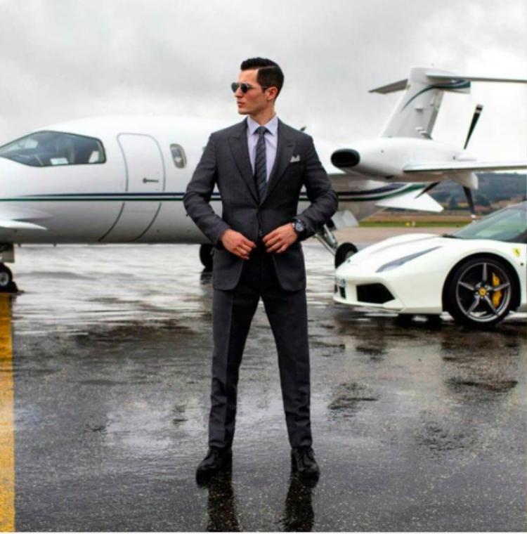 Khoe cuộc sống sang chảnh đang là mốt của hội con nhà giàu khắp thế giới. Các tài khoản Rich Kids of Russia, Rich Kids of Germany… là nơi hội con nhà giàu các nước khoe lối sống xa hoa.