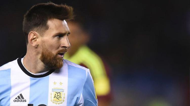 Argentina không thắng thì World Cup sẽ vắng Messi.