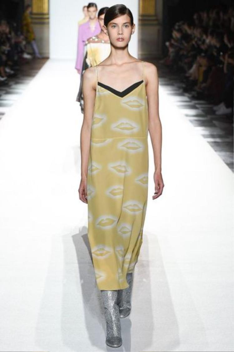 Slip dress rất đa dạng về chất liệu cũng như màu sắc.