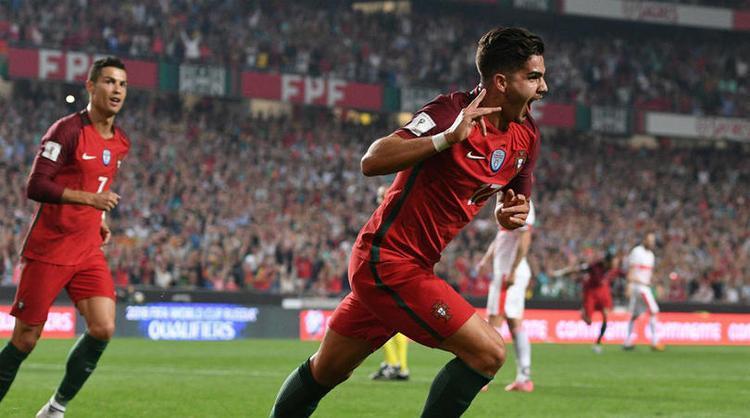 Bồ Đào Nha cùng Cristiano Ronaldo vừa giành quyền đến Nga.