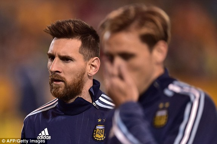 Anh cảm nhận rõ áp lực đang dồn lên vai mình. Nếu thua Ecuador, Argentina sẽ phải ngồi nhà xem World Cup 2018.