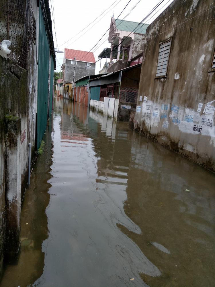 Phố Trung Đô - TP Vinh (Nghệ An) chìm trong nước. (Ảnh: Bạch Dương)