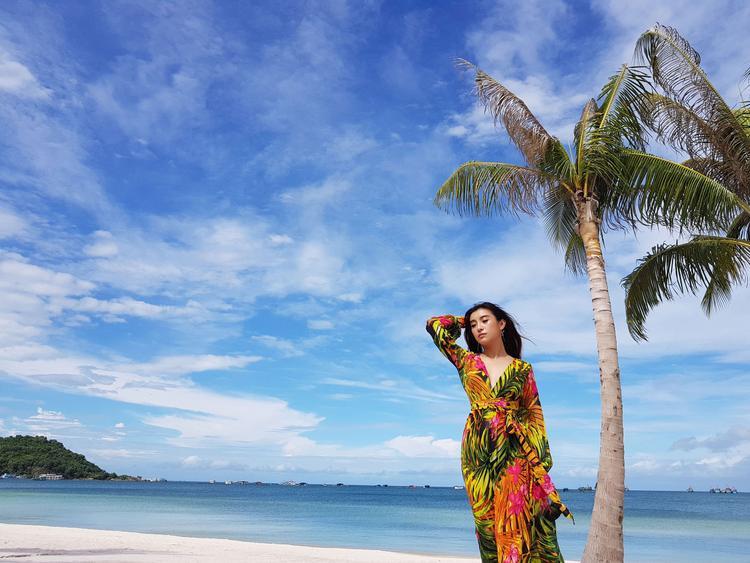 MV được thực hiện trên nền nhạc acoustic với phiên bản solo của Tiêu Châu Như Quỳnh.