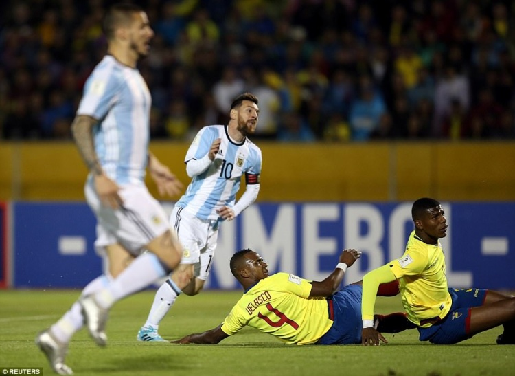 Messi mang trọng trách đưa Argentina tới Nga.
