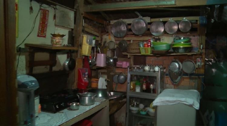 Sơn Ngọc Minh gây sốc khi tiết lộ gia cảnh nghèo, mẹ đi làm giúp việc