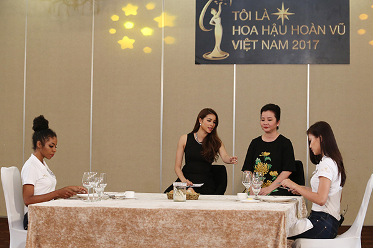 Bên cạnh đó, Hoa hậu Phạm Hương tiếp tục là người đồng hành, truyền lửa và dẫn dắt chương trình.