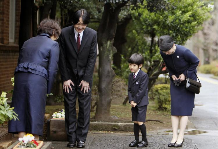 Đằng sau cái cúi đầu của ông chủ người Nhật là cả một lối sống khiến thế giới ngưỡng mộ