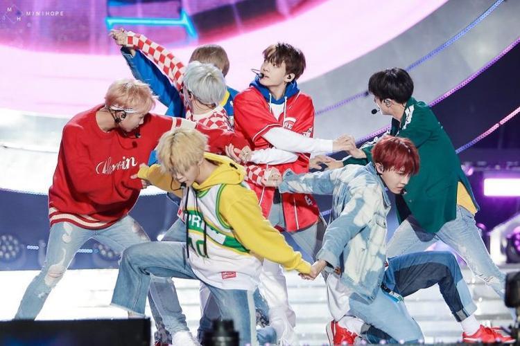 Như vậy, ngoài việc phá kỷ lục lượt xem MV sau 24 giờ thì BTS cũng đã là chủ nhân của kỷ lục mới Kpop: Thời gian MV chạm 100 triệu lượt xem.