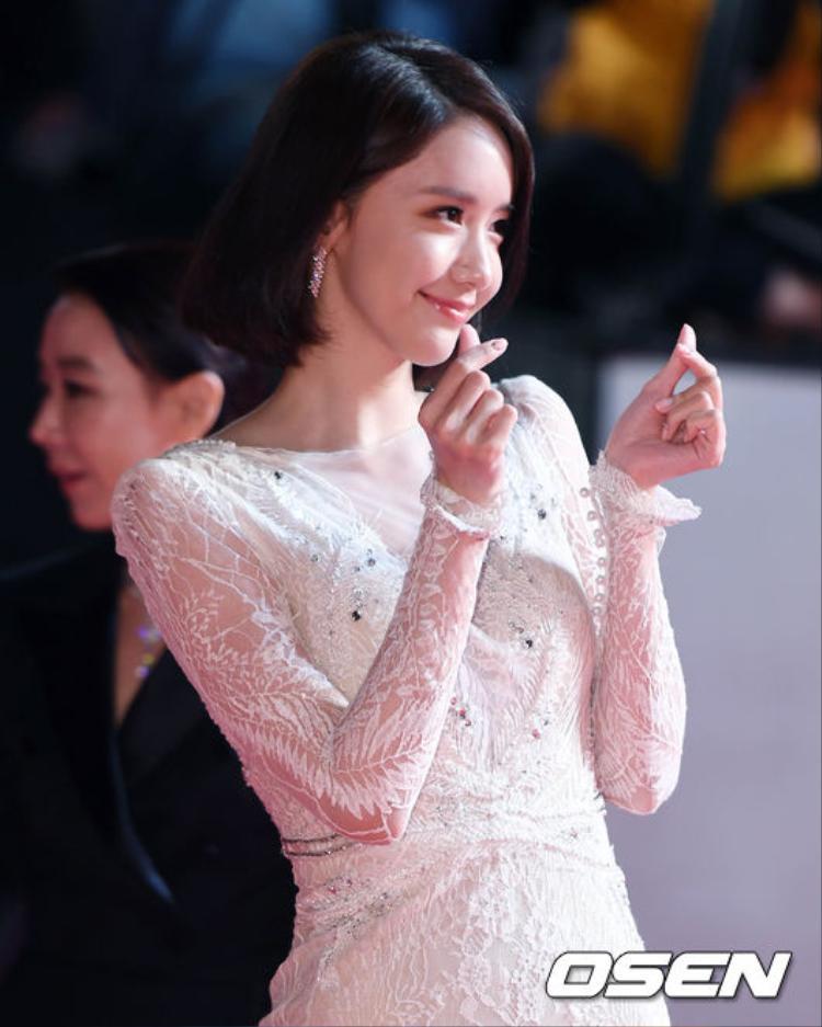 Bộ ba Daehan, Minguk, Manse siêu đáng yêu, đè bẹp sao Hàn trên thảm đỏ Liên hoan phim Busan lần thứ 22