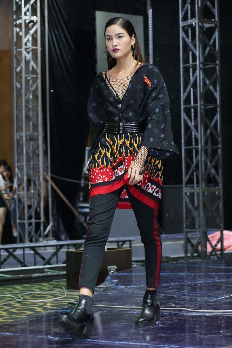 Sau cuộc thi Vietnam's Next Top Model 2017, phiên bản All Star, Chà Mi đắt show thời trang hơn, cô cũng được ưu ái trình diễn ở các vị trí đẹp của nhiều show lớn.