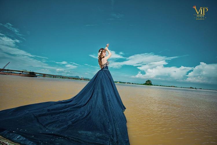 Hiện tại, chị đang giúp anh Tuấn quản lý 1 trong 2 studio chụp ảnh cưới ở Ninh bình.