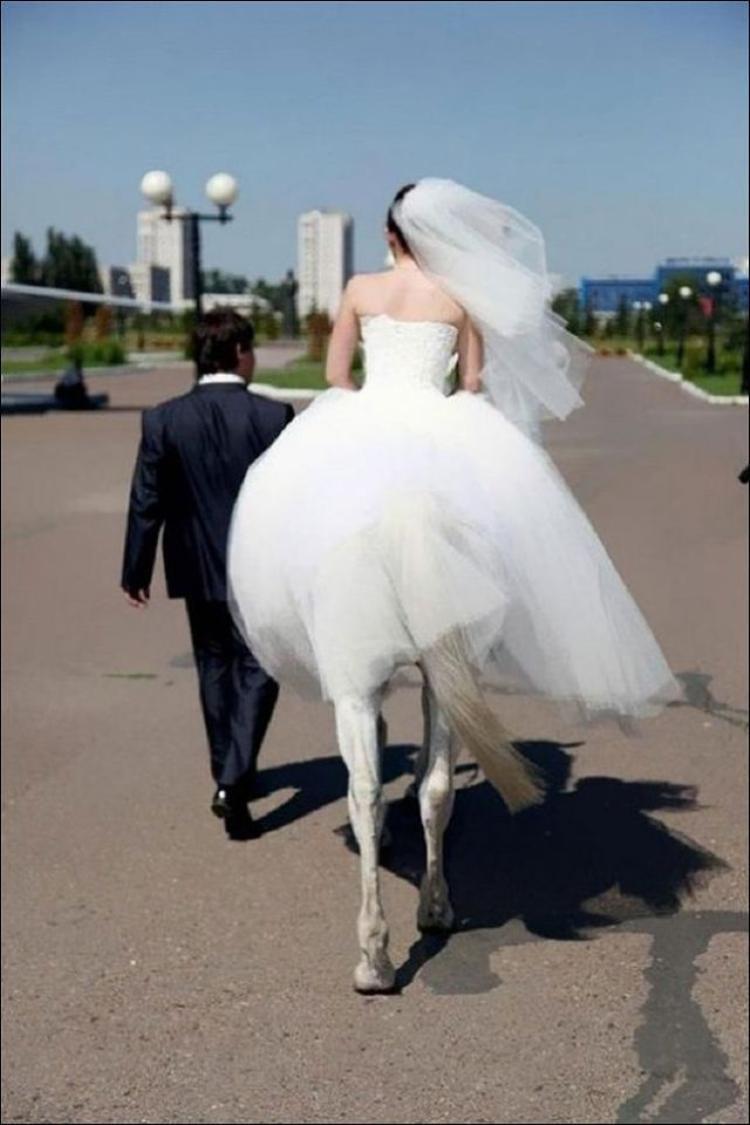Cô dâu này sẽ là trung tâm của sự chú ý đây.