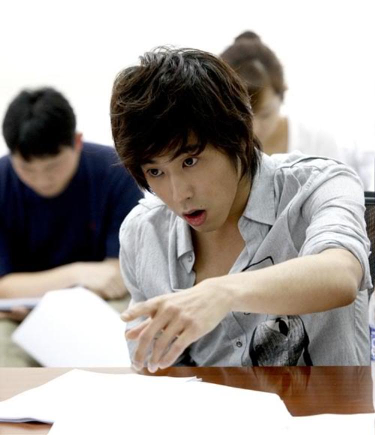 DBSKs Yunho và hành trình diễn xuất: Mỗi lần đóng phim đều khiến fan lo nơm nớp