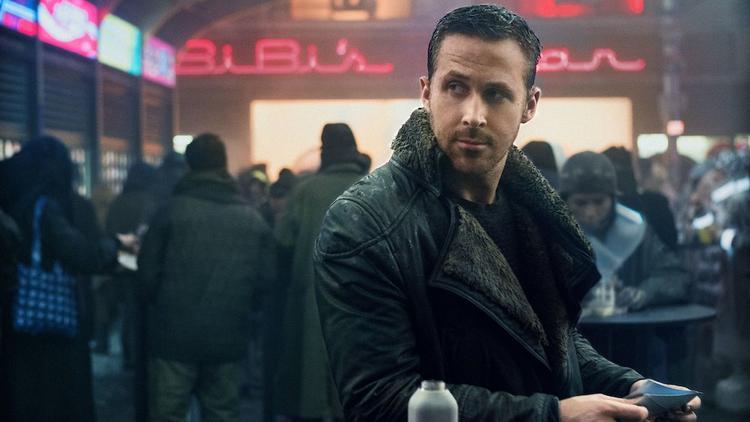 """""""K"""" - thủ vai bởi Ryan Gosling."""