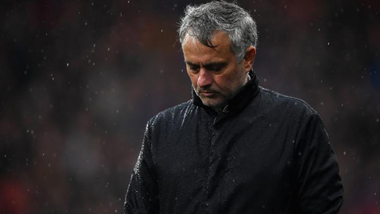 Mourinho từ chối chỉ trích cầu thủ trước truyền thông.