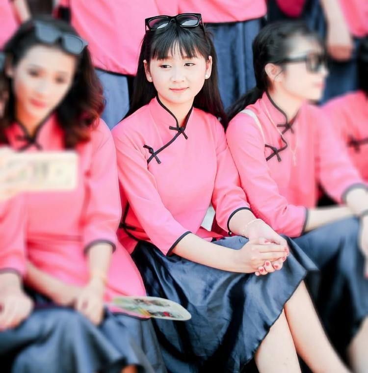 Nữ sinh hát quan họ giữa lớp, mà cứ cảm tưởng là đang hát nhép vì quá hay!