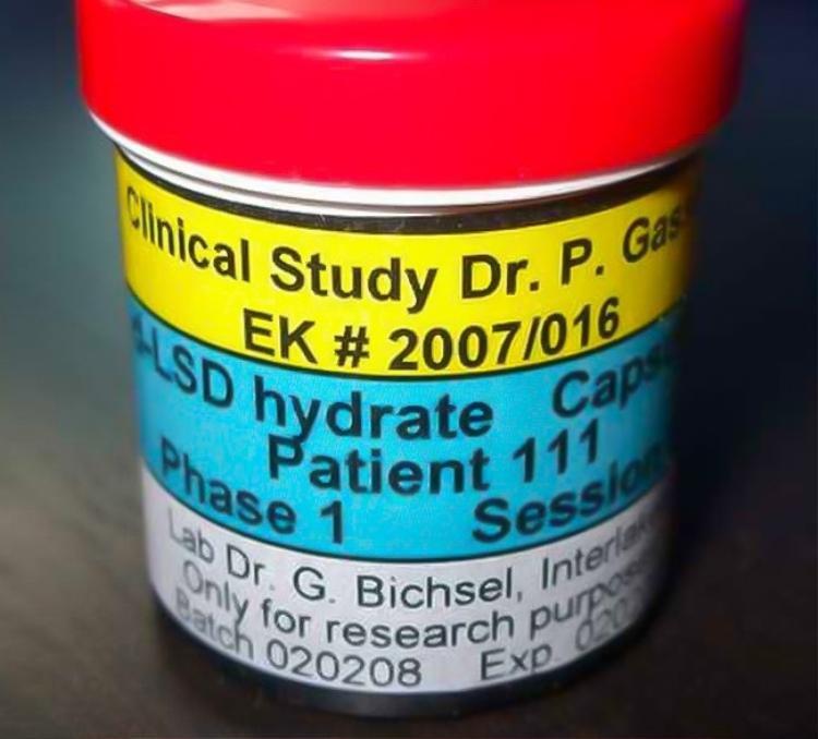 LSD - một loại chất gây nghiện tổng hợp.