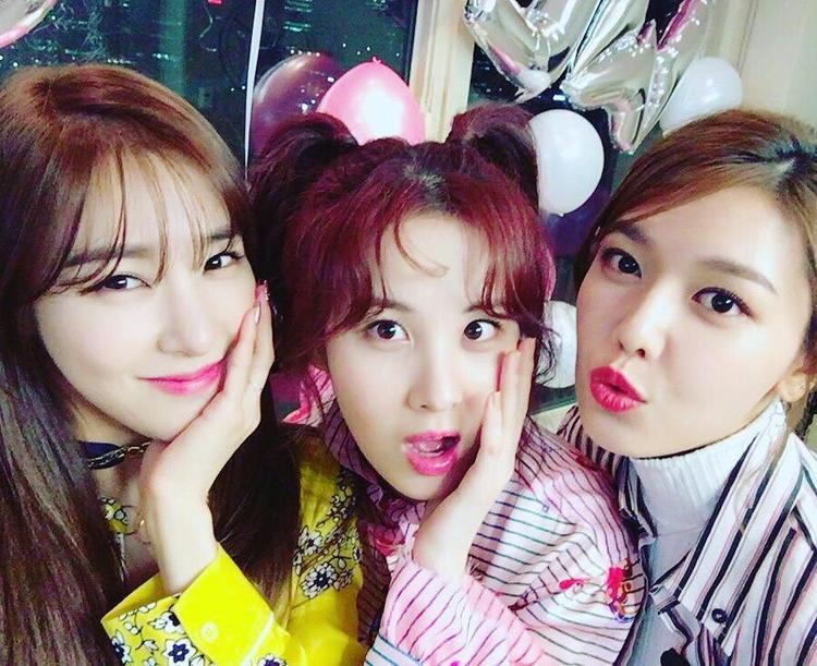 Tiffany, Sooyoung và Seohyun, ba cô nàng xinh đẹp vừa rời khỏi SNSD gây bao tiếc nuối cho fan hâm mộ.