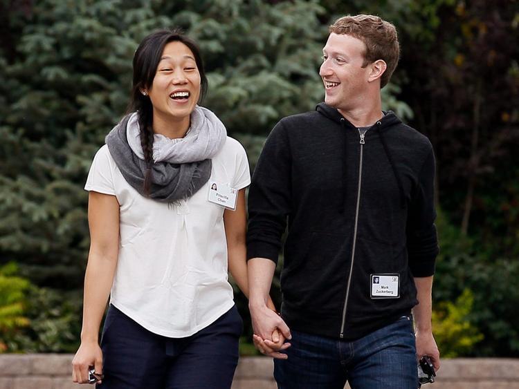 Một phần không nhỏ trong số tiền bán cổ phiếu sẽ được đầu tư cho tổ chức từ thiệnChan Zuckerberg Initiative, do Mark và vợ thành lập năm 2015. Sáng kiến này tập trung vào việc giáo dục, chữa bệnh, kết nối mọi người và xây dựng các cộng đồng vững mạnh. Trong vòng 18 tháng tới, anh dự định sẽ bá 35-75 triệu cổ phiếu, thu về 6-12 tỷ USD.