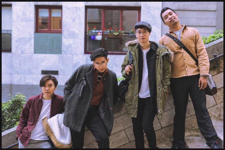Ngọt Band với 4 thành viên: Nguyễn Hùng Nam Anh, Phan Việt Hoàng, Nguyễn Chí Hùng, Vũ Đinh Trọng Thắng.