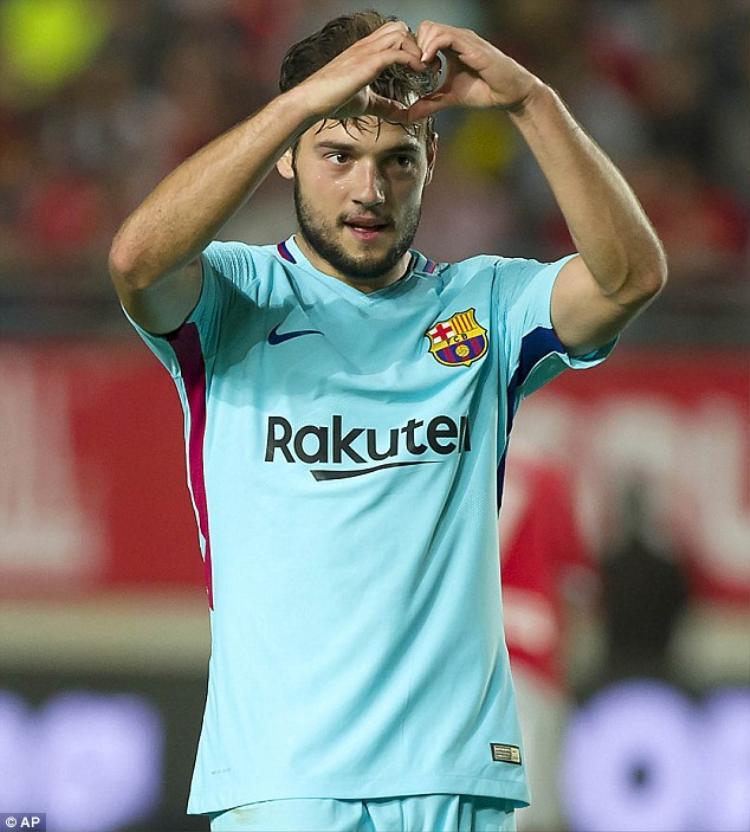 Jose Arnaiz ấn định tỷ số chung cuộc cho Barca bằng cú sút căng.