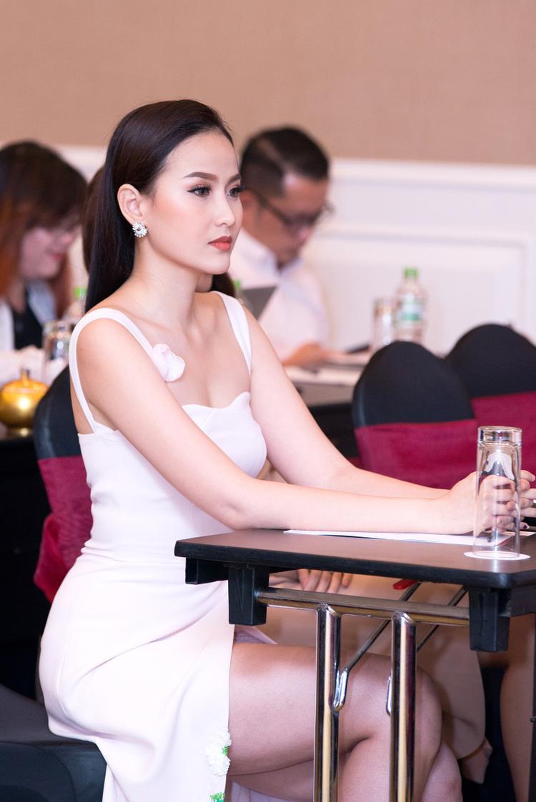 Hoa khôi Du lịch Việt Nam 2017- Đỗ Trần Khánh Ngân.