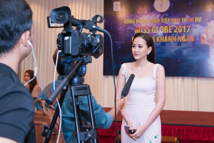Khánh Ngân The Face đại diện Việt Nam tham dự Hoa hậu Hoàn cầu 2017