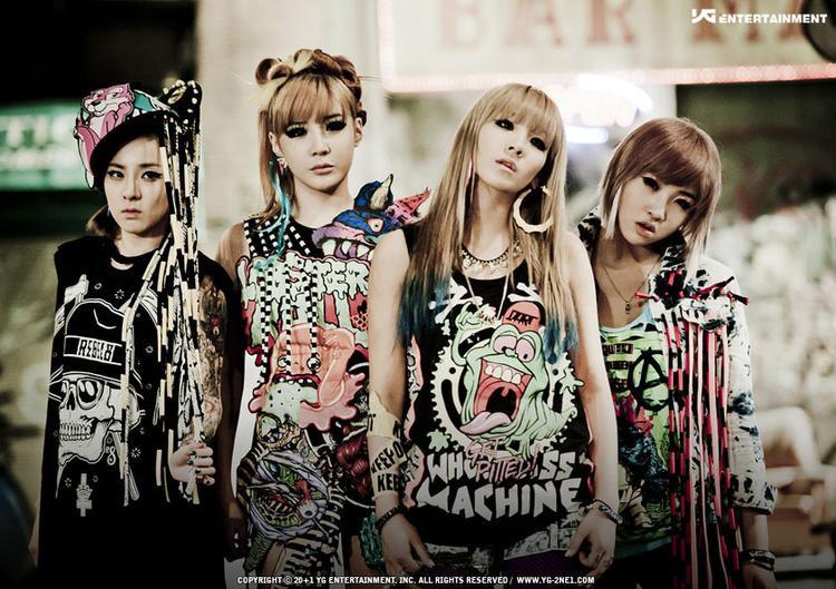 Đặc biệt, T-ara sẽ lần đầu tiên tái hiện lại sân khấu của 2NE1 và Sistar khi cover một số bản hit của 2 nhóm nhạc này tại concert Việt Nam.