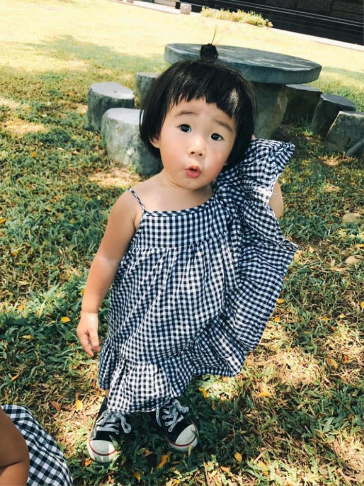 Cô bé Vô Diện nổi nhất mạng xã hội trong dịp Halloween năm ngoái lại tái xuất giang hồ