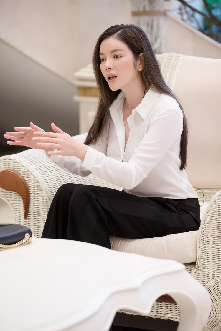 Nữ diễn viên/doanh nhân Lý Nhã Kỳ.