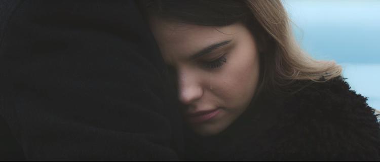 Clip sống chung với trầm cảm của nữ Vlogger khiến nhiều người câm lặng