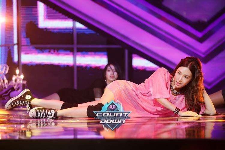 Tiffany  Sooyoung  Seohyun: Đừng ngại Super soi loạt sản phẩm đánh lẻ từ 3 cô nàng này