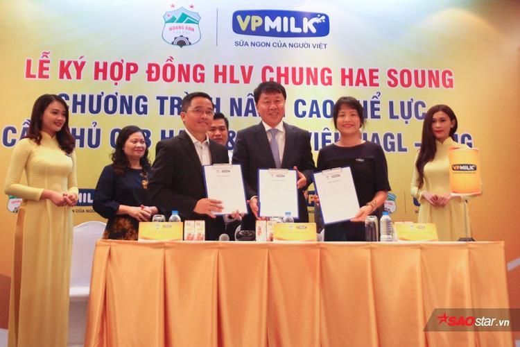 HLV Chung Hae Seong ký hợp đồng với HAGL.