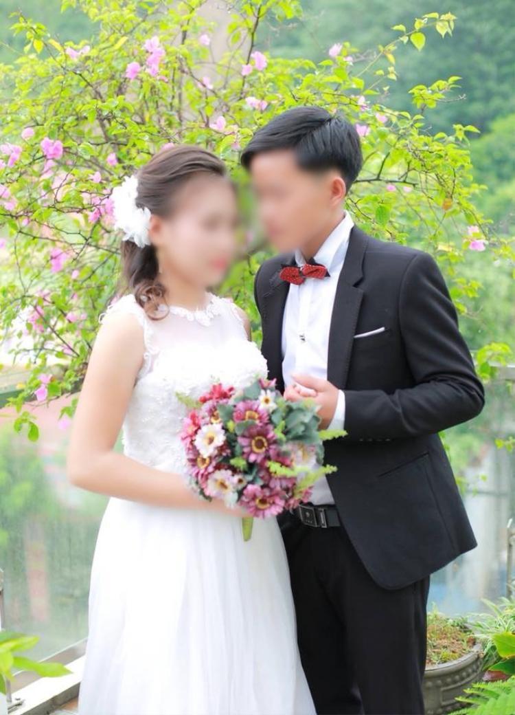 Việc cặp đôi cưới khi mặt trẻ măng khiến ai cũng bất ngờ.