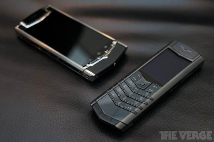 Những chiếc điện thoại Vertu chạy Android là nỗ lực của Vertu trong việc tiếp cận đến nhiều người dùng hơn.