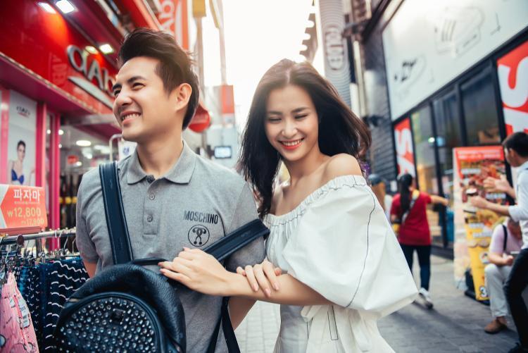"""Sắp tới, cặp đôi vàng của showbiz Việt sẽ """"bắt tay"""" cùng công tycông ty chủ quản của nhóm MAMAMOO - Rainbow Bridge World (RBW) và tổng công ty hàng không Hàn Quốc thực hiện dự án du lịch tại Hàn Quốc."""