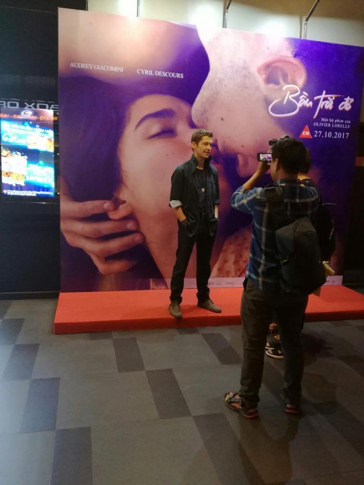 Bầu trời đỏ: Bộ phim nghệ thuật về tình yêu và cảnh sắc Việt Nam