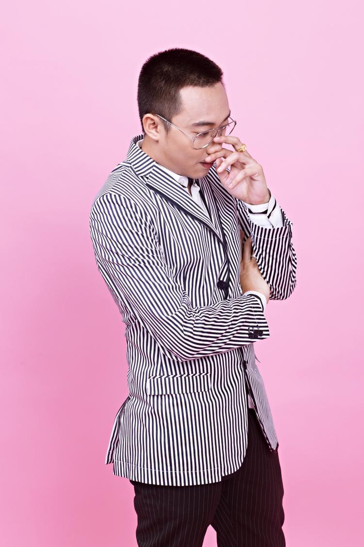 Ginô Tống.