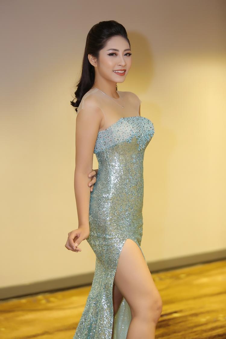 Cận cảnh vương miện 3,2 tỷ đồng được dành cho Tân Hoa hậu Đại dương 2017